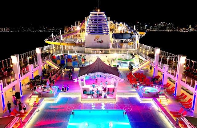 https://salsacruiseparty.com/wp-content/uploads/2018/07/Dream-Cruise-3.jpg